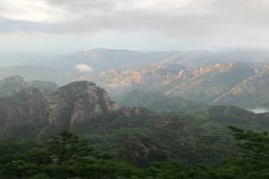 航拍山峰 山丛2 手机竖版视频 风景航拍 山水 山手机特效图片