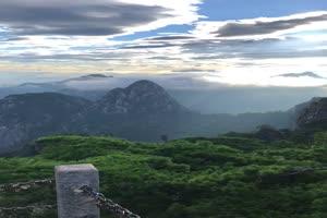航拍山峰 山丛1 手机竖版视频 风景航拍 山水 山手机特效图片