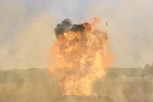 战斗机 飞机 轰炸农田 3 绿屏抠像特效素材特效牛
