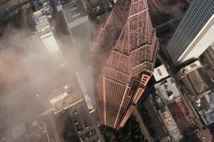 4K航拍 摩天大楼高楼林立城市帝国大厦手机特效图片