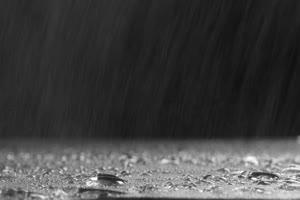 下雨 真实 瓢泼大雨 雨后