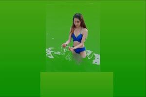 比基尼美女 游泳池戏水手机特效图片