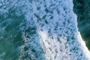 4K航拍 海浪白色浪花手机特效图片